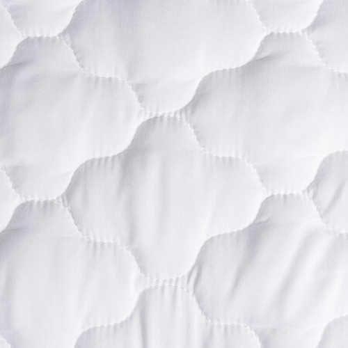 chránič na matraci v bílém provedení