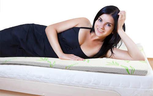 Vrchní paměťová matrace pohodlí na rozkládacím gauči
